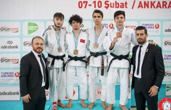 Milli Gururumuz Enes Türkiye Şampiyonasına Adını...