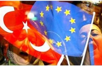 Yurt Dışında 5 Milyon Türk Yaşarken, 3 Ülkede...
