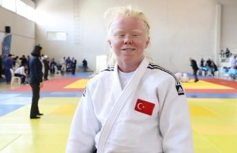 """""""Uluslararası Görme Engelli Kadınlar Judo Turnuvası""""nda..."""