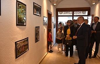 Çocukların Gözünden Çocuk Konulu Fotoğraf Sergisi...
