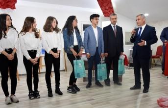 41 Okulun Katılımıyla Münazara Yarışması Final...