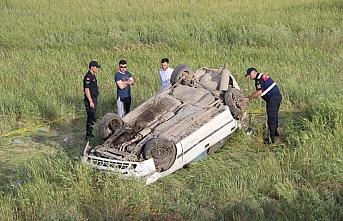 Otomobil Takla Attı:1 Ölü,5 Yaralı