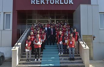 Rektör Akgül, Damla Projesinde Gönüllü Öğrencileri...