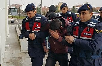 Hırsızlık Şüphelisi 1'i Kadın 4 Kişi Tutuklandı