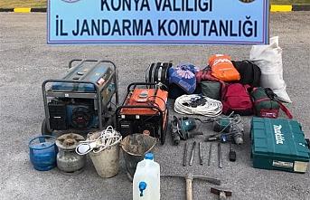 Konya'da 8 Kişi Kaçak Kazı Yaparken Jandarmaya...