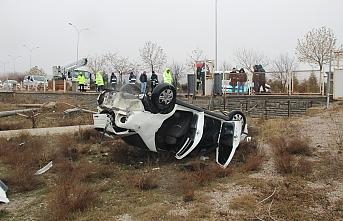 Konya'da Kontrolden Çıkan Otomobil Bahçeye Yuvarlandı:...