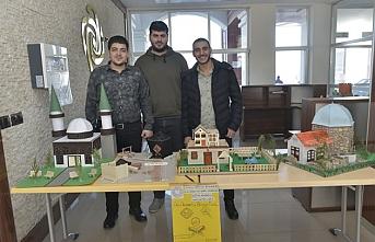 Öğrenciler El Sanatları Sergisi Düzenledi