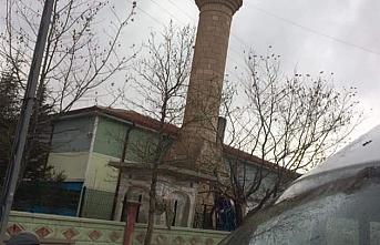 Şiddetli Rüzgar Cami Minaresini Yıktı