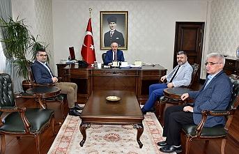 """""""Türk Dili ve Kültürü"""" Sempozyumu Düzenleme Kurulundan Ziyaret"""