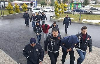Karaman`da Uyuşturucudan Gözaltına Alınan 3 Kişi...