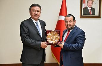 Kırgızistan Ankara Büyükelçisinden Rektör Akgül`e...