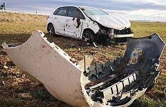 Aksaray'da Otomobil Şarampole Takla Attı: 2 Yaralı