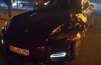 Otomobilin Çarptığı Genç Hayatını Kaybetti
