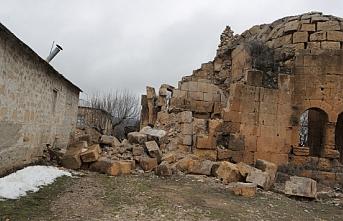 Tarihi Kilise Yağışlara Dayanamayarak Yıkıldı