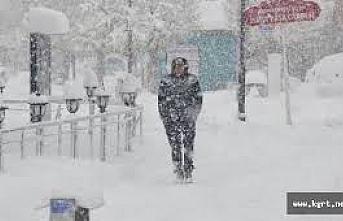 Karaman`da Kuvvetli ve Yer Yer Yoğun Kar Yağışlarına...