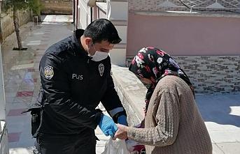 Karaman`da Toplum Destekli Polis Yaşlıların Emrinde