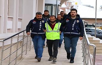 Konya'da Alacak Verecek Kavgasında Yeğenini...