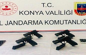 Konya'da Şüphe Üzerine Durdurulan Araçta Silah...