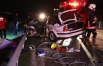 Mut'ta İşçi Midibüsü İle Otomobil Çarpıştı: 1 Ölü, 11 Yaralı