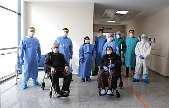 Konya'da 79 Yaşındaki Karı Koca Korona Virüsü...