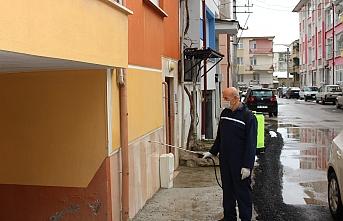 Muhtar Güney Mahallesini Dezenfekte Etti