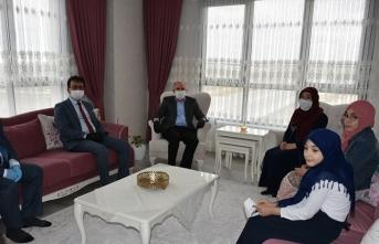 Vali Meral ve Kurum Müdürlerinden 23 Nisan Ziyaretleri