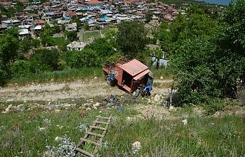 Karaman'da Çapa Motoru Uçuruma Yuvarlandı: 1...