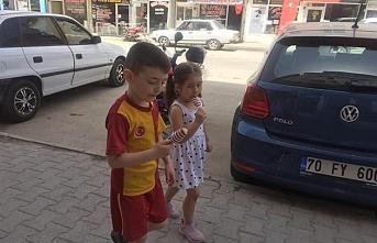 Karaman'da Sıcak Havaya Rağmen Sokaklar Çocuk...