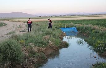 Karaman'da Sulama Kanalına Düşen 2 Kardeş Hayatını...