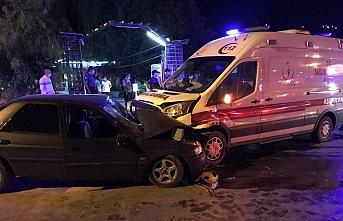Ambulans İle Otomobil Çarpıştı: 1 Ölü, 6 Yaralı