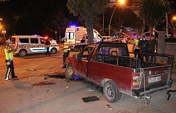 Karaman'da Dur İhtarına Uymayan Araç Kaza Yaptı:...