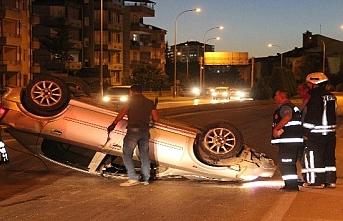 2 Kişi'nin Yaralandığı Kazada Otomobil 50 Metre Sürüklendi