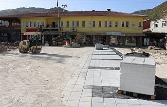Kazancı Beldesinde Kent Meydanı Yenileniyor