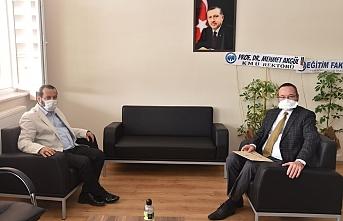 Rektör Akgül'den Dekan Ertekin'e Hayırlı...