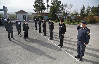 Vali Işık'tan İl Jandarma Komutanlığı Ziyareti