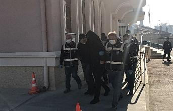 Konya'da Otomobil Dolandırıcılığı: 5 Kişi Yakalandı