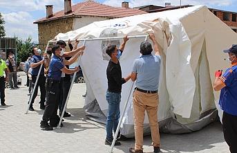 Sarıveliler'de AFAD Tarafından Çadır Kurma Eğitimi...