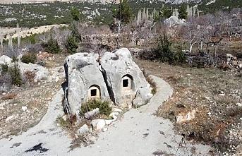 Türkiye'de Örneği Yok! Bu Anıt Mezar Karaman'da