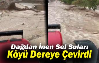 Karaman'da Dağdan İnen Sel Suları Köyü Dereye Çevirdi