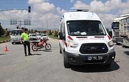 Motosiklet İle Kamyonet Çarpıştı: 1 Yaralı
