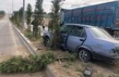 Tıra çarpan otomobil refüje çıktı: 1 yaralı
