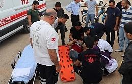 Otomobille Motosiklet Çarpıştı:1 Yaralı