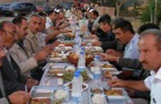 Baskan Samur`dan Meclis Üyeleri Ve Personele Iftar...