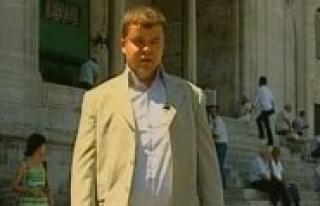 Görme Engelli Yarismaci Mustafa Yilmaz Jüri Üyelerini...