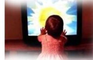 Üzerine Televizyon Düsen Çocuk Yaralandi