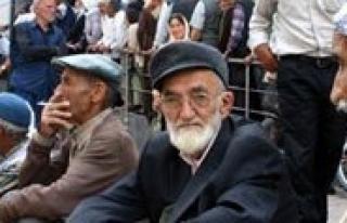 """Emekliler Dernegi Baskani Yilmaz: """"Emeklilerimize..."""
