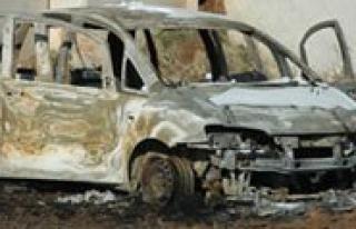 7 Gündür Kayip Sahis Otomobilinde Yanmis Halde Bulundu