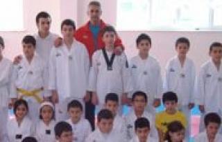 Gevher Hatun Koleji Ögrencileri Taekwondoda Tam Puan...