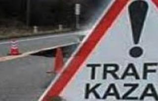 Karaman'da Minibüs, Ögrenci Servis Ile Çarpisti:...