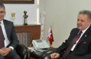 """Vali Kahraman """"Kop Projesi Ilimiz Açisindan Son..."""